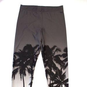 Victoria's Secret PINK Palm Tree Leggings